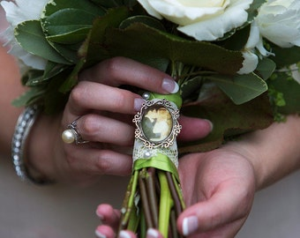 Custom Photo Bouquet Pin / Charm / Brooch / Boutonniere - Personalized with Your Photograph or Image - Wedding, Bridesmaids, Bride, Memorial