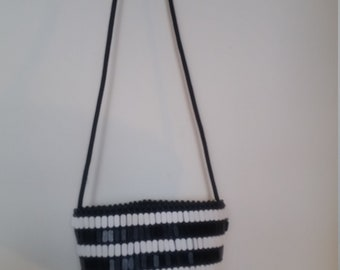 African cross should small beaded purse