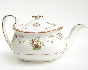 From 1973-1997, Wedgwood Bianca Teapot, R4499, Williamsburg Mark, Wedgwood Bone China Tea Pot, Flower Basket, Floral Design, Gilt Trim
