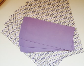 Set paper and matching envelopes