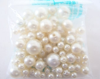 Vintage Soft White Pearls in Graduated Sizes, 1 Ounce