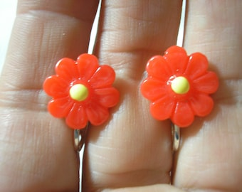 Play Earring - Clip - Flower - Red - 1/2""
