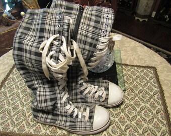 Black White and Tan Plaid/Tartan Skater Punk Converse Style Lace-Up Calf-Hi Sneakers - Size 7 1/2 M 7.5 M