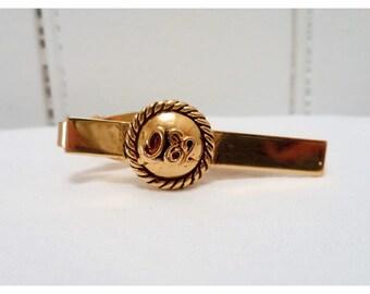 Vintage 1970s Gold Tone QE2 Queen Elizabeth 2 Tie Clip