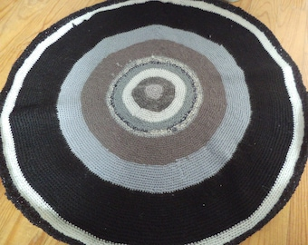 Black and grey crocheted rug