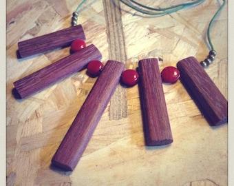 "Necklace ""sticks"" amaranth"