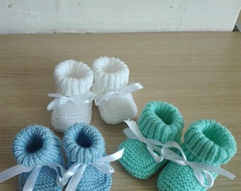 3paires baby booties size 0/3 months