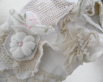 Tassels linen and antique lace