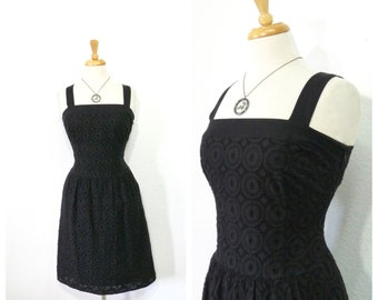 Vintage 1980s Dress - Black Cotton Eyelet Embroidered Pockets Wiggle Party Day Cocktail dress S