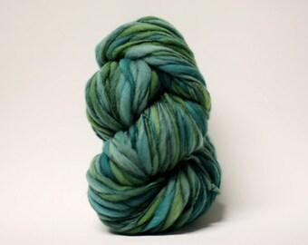 Merino Thick Thin Yarn Hand spun Wool Slub  Hand Dyed tts(tm) Merino Bulky Self Striping xxLRH 1602x