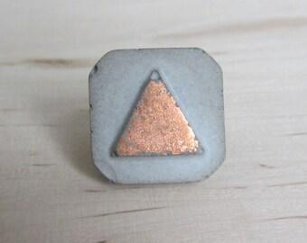 Concrete triangle ring