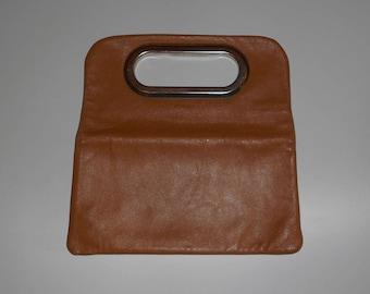 Vintage 1970's, french PURSE leather beige and metal, Geometric, Mod Retro Vintage Modern minimalist handle, fashion