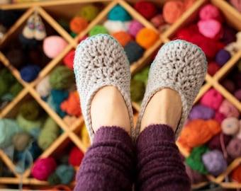 Crochet Slipper Patterns - Oma House Slippers - Woman Sizes