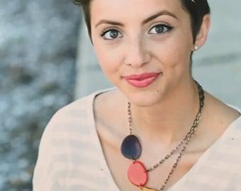 Three color asymmetrical necklace