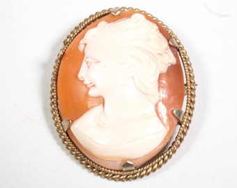 1930s vintage cameo brooch pendant by Clewco, Clewley and Co., 9CT cornelian shell, Rolled Gold, Clewco carved shell