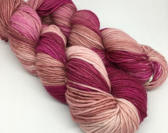 BEE SUPER* DK in The Shrimplets / sparkle / merino, nylon and stellina / 100 g / 212 m