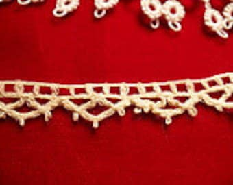 "3/8"" Vintage 1930's Linen Lace Edging, Vintage Sewing Supply"