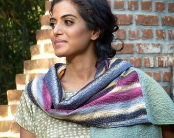Patchwork scarf in kantha embroidery, reversible, in cotton and linen, grey/orange/pink/black