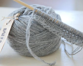 Ball of 100% cashmere light grey Heather