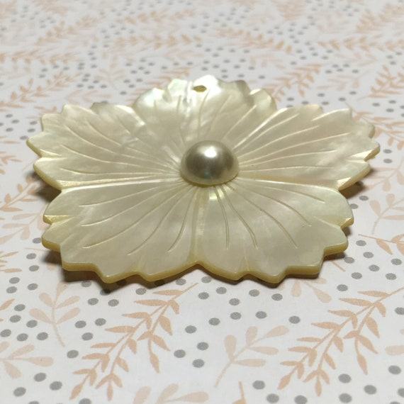 White/Cream Carved Shell Flower Pendant with Pearl Center 40 mm