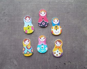 12 travel Matriochaka Russian doll shaped wooden buttons