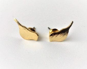 Dainty gold bird earrings
