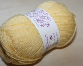 Nature Spun Worsted Weight, color 307W, lot 035    Lullaby