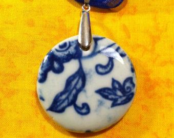 Porcelain Necklace - Round