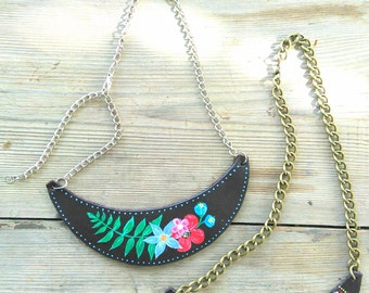Romantic/ethnic leather necklace. Hand-painted. Leather necklace. Hand painted.