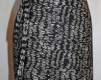 SALE Black & White Batik Sarong