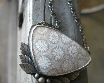 Sterling Silver Blooming daisy necklace