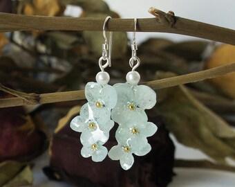Resin Earrings, Pressed flower Jewelry, Blue Hydrangea Earrings, Dangle Earrings, Drop Earrings, Botanical Earrings, Real Flower Jewelry