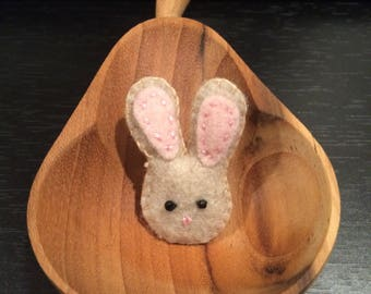 Small handmade felt bunny brooch/pin