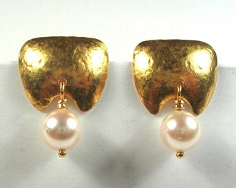 24k Hammered Stud Earrings with 6mm pearl