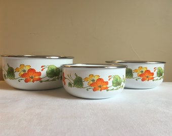 Vintage Enamelware Nesting Bowls Set of 3 Floral Yellow Orange Green Design, Vintage Kitchen Enamelware Mixing Bowls, Yellow Orange Kitchen