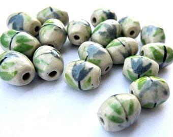 21 Beads, VINTAGE ceramic porcelain beads handmade, hand painted, 18mmx15mm
