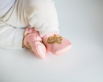 Organic Knits Faux Glitter Hearts in Coral All Fabric Soft Sole Baby Shoes / Made to Order / babies