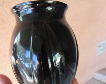 LE Smith Vintage Black Amethyst Glass Vase Footed