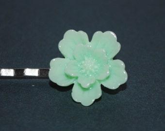 Silver Barrette - small pale green flower