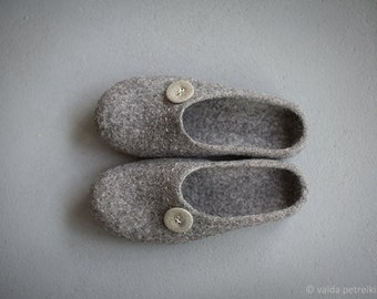 Husband gift- Gray slippers - Men shoes for home - Organic wool house shoes - Warm woolen clogs - Grandfather gift for Christmas