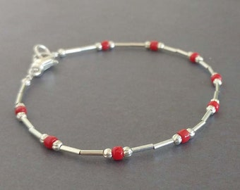 Simple Liquid Silver and Brick Red Glass Beaded Bracelet With Clasp