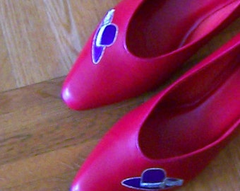 Valentine red pointed low heel almost flats shoes with purple hat decoration