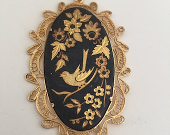 Gold charm with birds and flowers/ gold lace / gardens/ vintage / jewelry