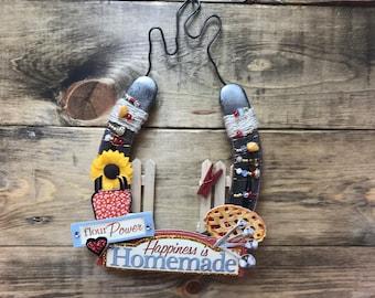 Beaded Horseshoe Art Handmade with Kitchen Baker Theme  Decorated Horse Shoe Wall Themed Art, Ready to Ship, Item #597821622