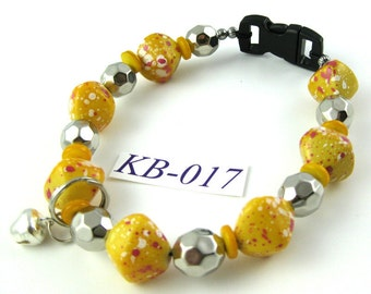 KB-017 yellow and pink speckles acrylic bead Kitty Cat Bling Beaded Collar complete with breakaway buckle bell and tag ring