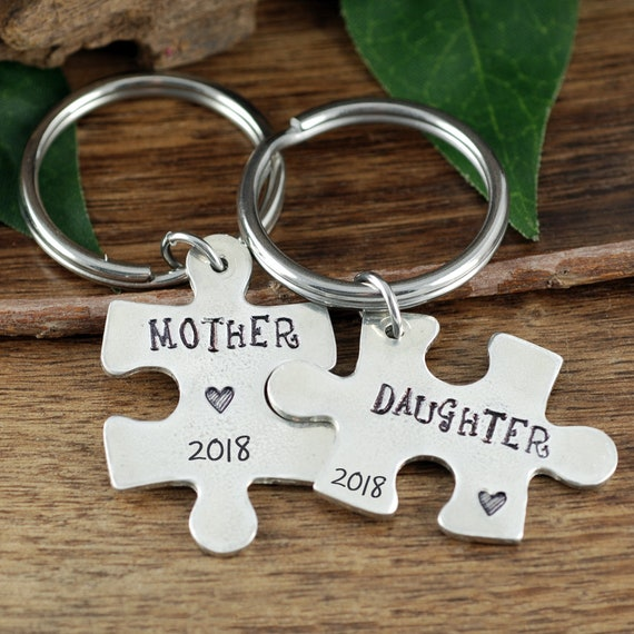 Mother Daughter Keychain Set, Mother's Day Keychains, Personalized Puzzle Piece Keychain Set, Mommy Keychains, Gift for Daughter