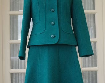 Vintage Harella Wool Green Suit Size 16 Made in England 1980s
