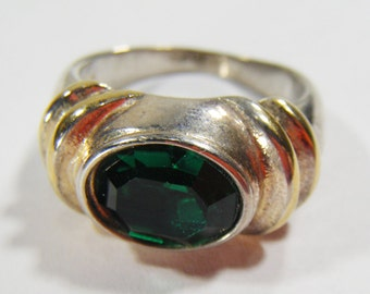 Vintage Silver & Gold  8KGE Ring w/ Green Stone Size 8