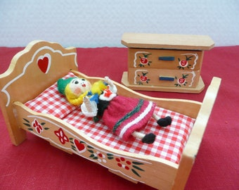 Tole Painted Wooden Doll House Furniture, Tole Painted Doll House Bed and Dresser with Mattress and Pillow and Poseable Spun Cotton Doll