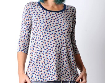 Long grey top with blue and red heart print and mid-length narrow sleeves, womens grey jersey top, MALAM